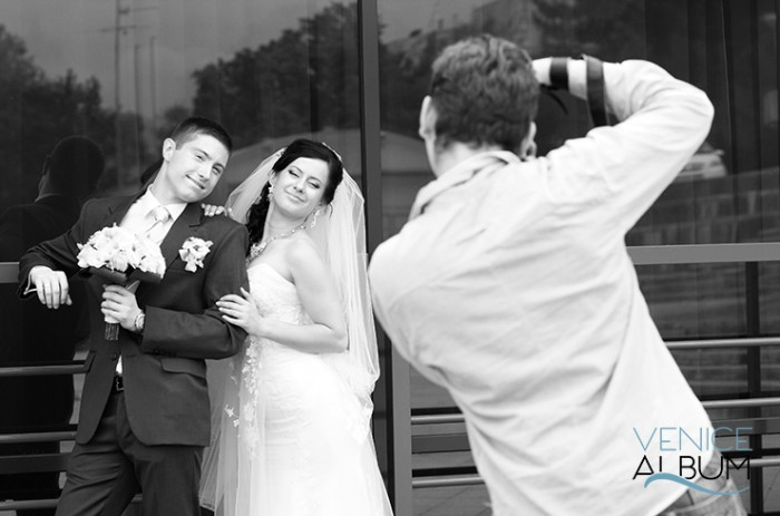 5 tips for black and white wedding photography